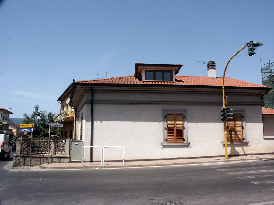 Vendo casa monsummano terme vendesi casa indipendente con for 1 piano garage con abitazione